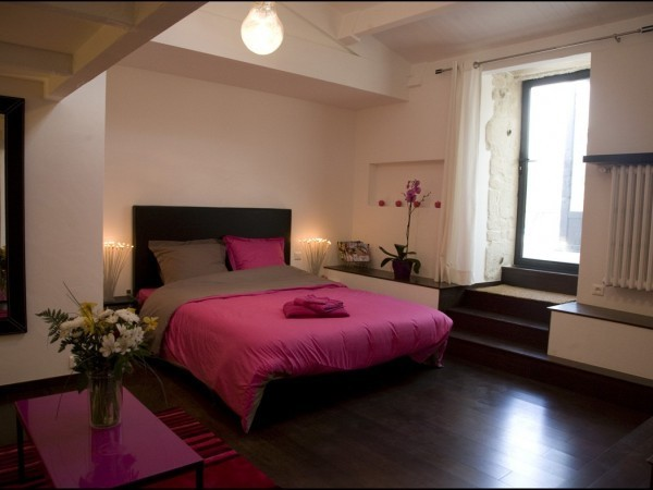 chambre gris et rose fushia solutions pour la d coration. Black Bedroom Furniture Sets. Home Design Ideas