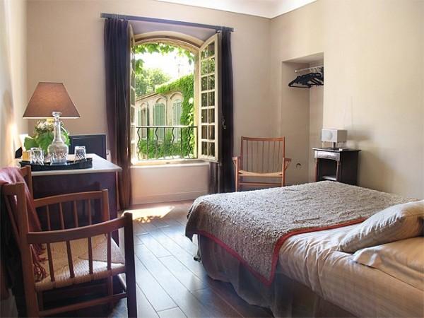 chambre d 39 h tes les acanthes chambre d 39 h tes marseille. Black Bedroom Furniture Sets. Home Design Ideas