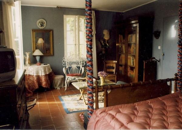 chambre d 39 h tes la capuce chambre d 39 h tes aubagne. Black Bedroom Furniture Sets. Home Design Ideas