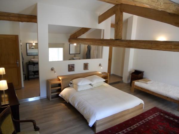 chambre d 39 h tes les chambres d 39 amis chambre d 39 h tes livron sur dr me. Black Bedroom Furniture Sets. Home Design Ideas