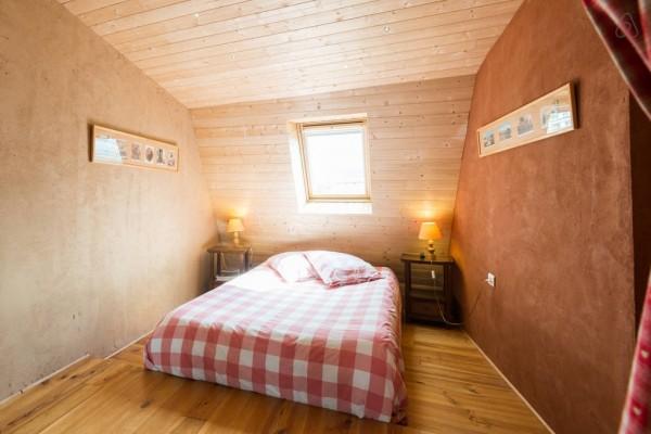 chambre d 39 h tes au refuge renoir chambre d 39 h tes chamb ry. Black Bedroom Furniture Sets. Home Design Ideas
