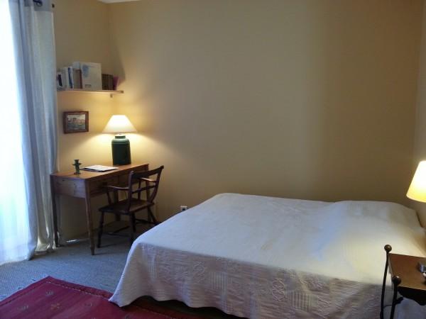 chambre d 39 h tes la carri re romaine chambre d 39 h tes n mes. Black Bedroom Furniture Sets. Home Design Ideas