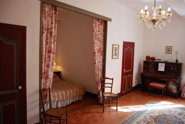 chambre d 39 h tes maison gonzagues chambre d 39 h tes cotignac. Black Bedroom Furniture Sets. Home Design Ideas