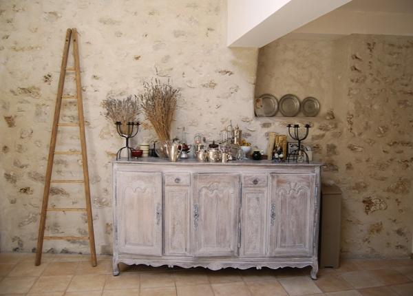 Cuisine cuisine repeinte en beige : Chambre d'hôtes Bed & Beige, Chambre d'hôtes Linas