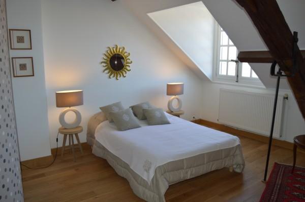 chambre d 39 h tes la chambre d 39 alen on chambre d 39 h tes alen on. Black Bedroom Furniture Sets. Home Design Ideas