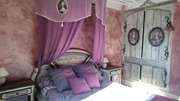chambre d 39 h tes la m di vale du luberon chambre d 39 h tes roussillon. Black Bedroom Furniture Sets. Home Design Ideas