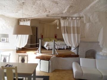 chambre d 39 h tes troglododo chambre d 39 h tes azay le rideau. Black Bedroom Furniture Sets. Home Design Ideas